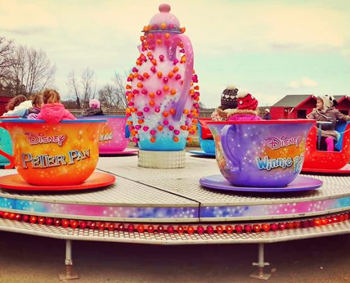 funfair-tea-cups-ride-hire